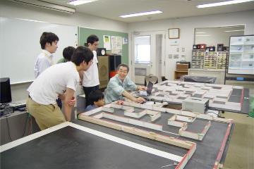 로봇대회 마이크로 마우스 준비_일본전자전문학교  (2).JPG
