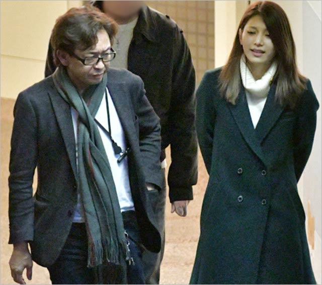 토키오 리더_죠시마 시게오 24살 연하 결혼 (6).JPG