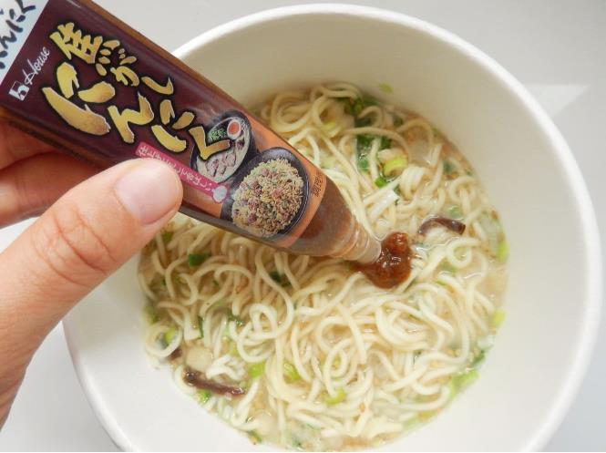 볶은 마늘 튜브(焦がしにんにく) (5).JPG